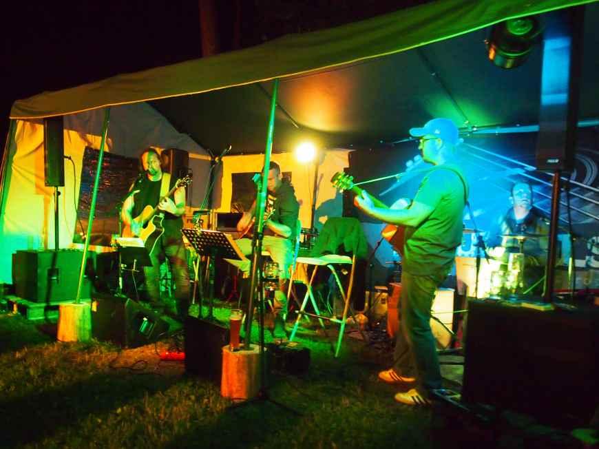 Illan bändi; Exkumpels